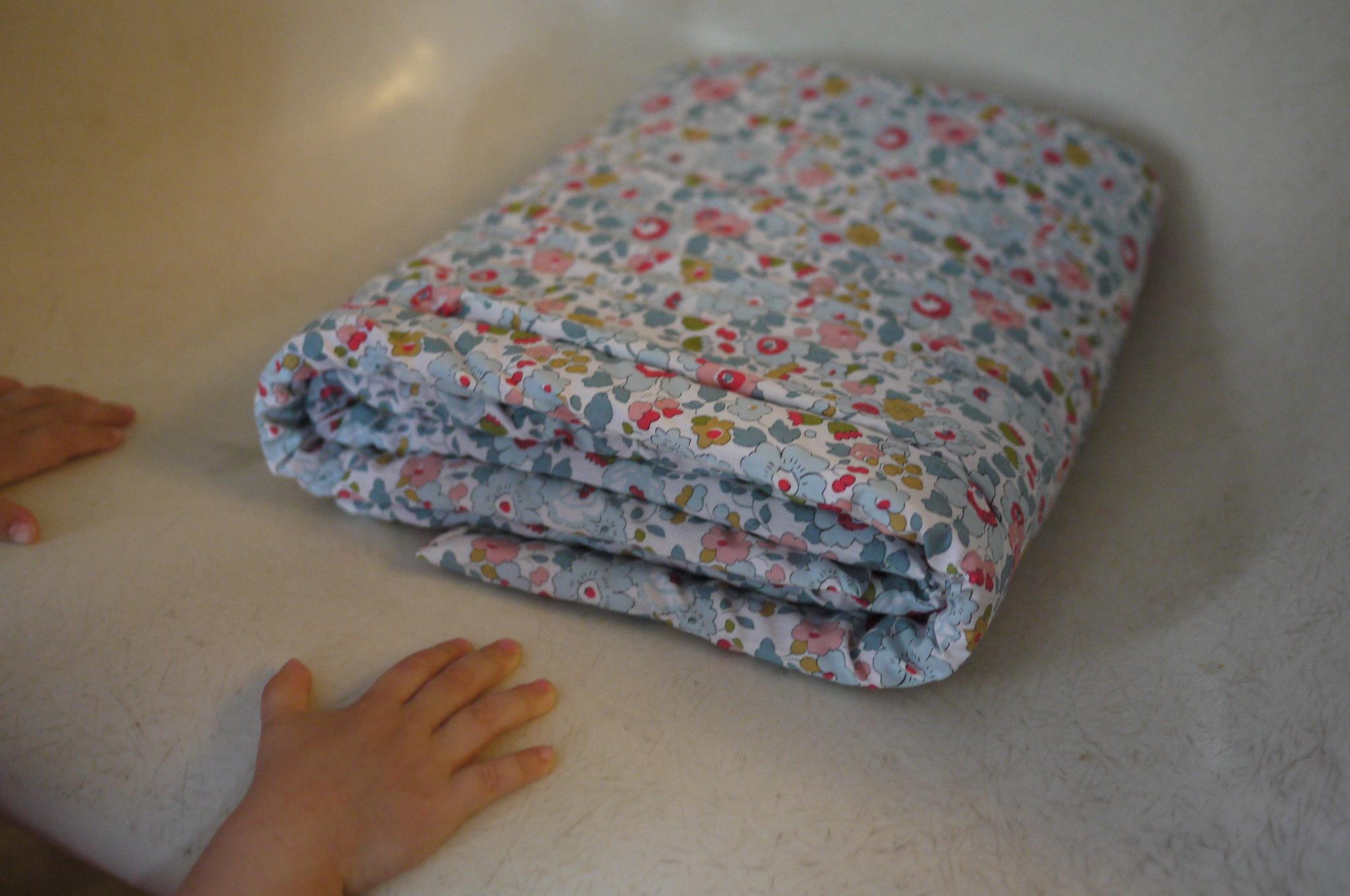 couverture matelassée pour bébé Une couverture de bébé toute douce – Le blog des Lulus couverture matelassée pour bébé